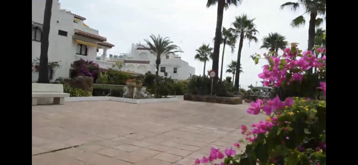 Ref:R3415948 Townhouse - Terraced For Sale in Manilva