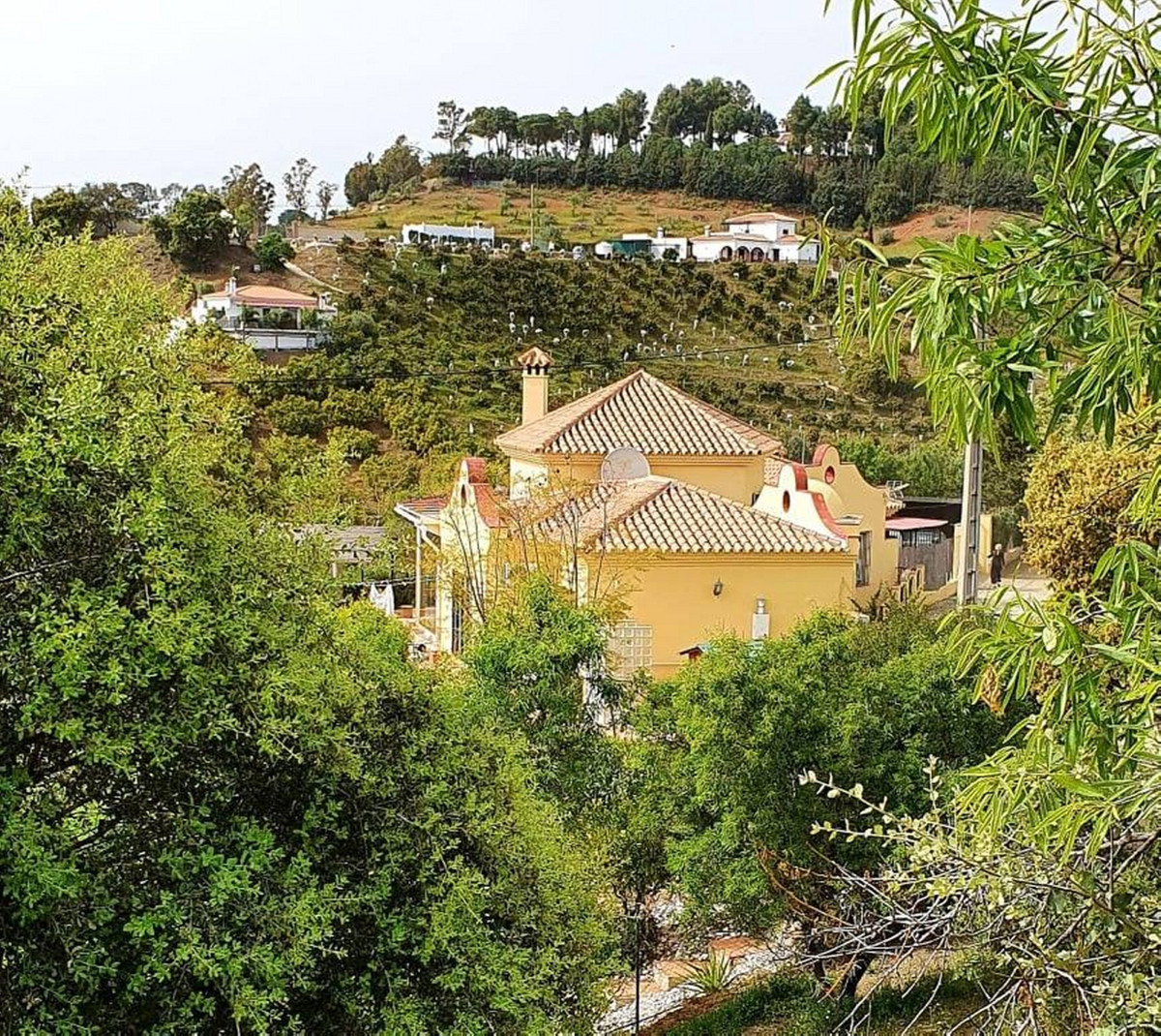This Finca - Cortijo is a 3 bedroom, 3 bathroom property on a 24000m2  plot. The property has oil fi,Spain