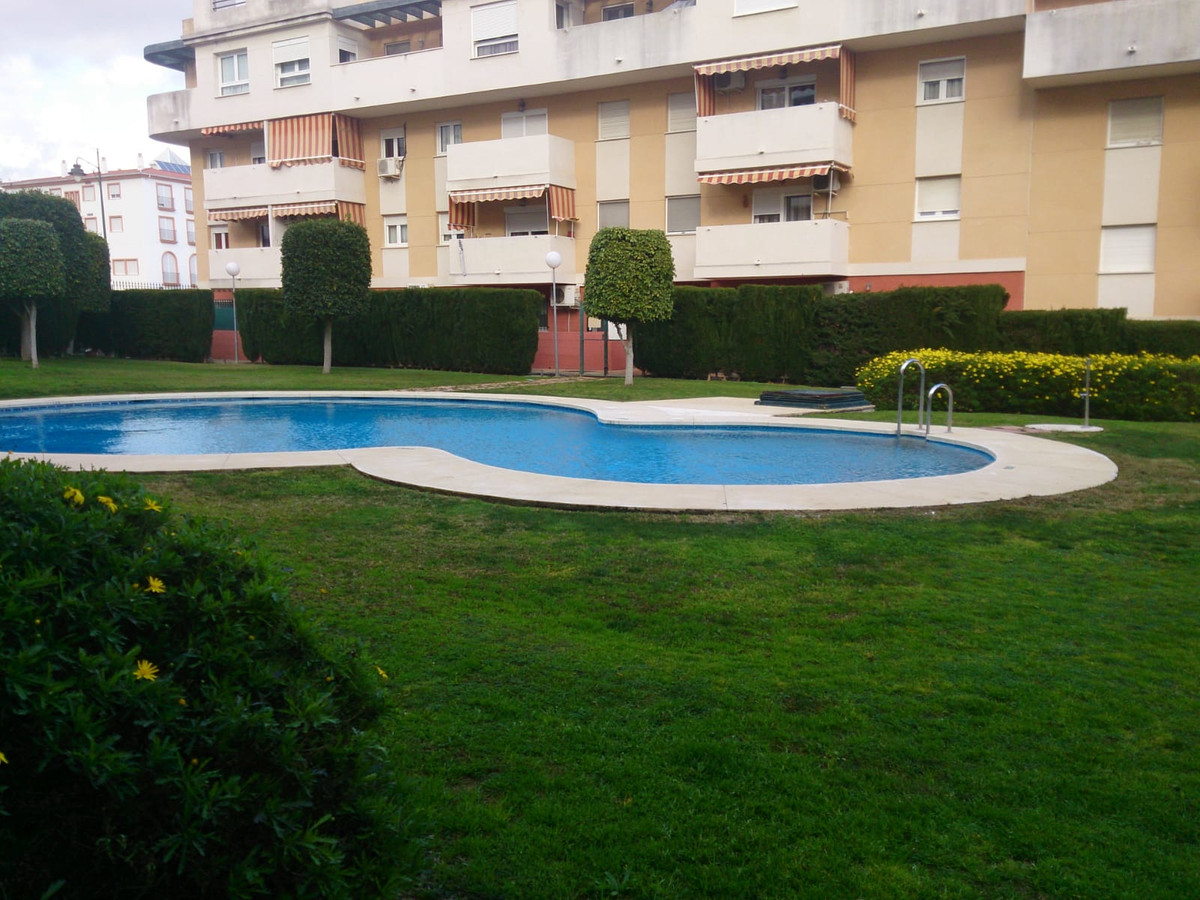 Ref:R3426409 Apartment - Middle Floor For Sale in Estepona