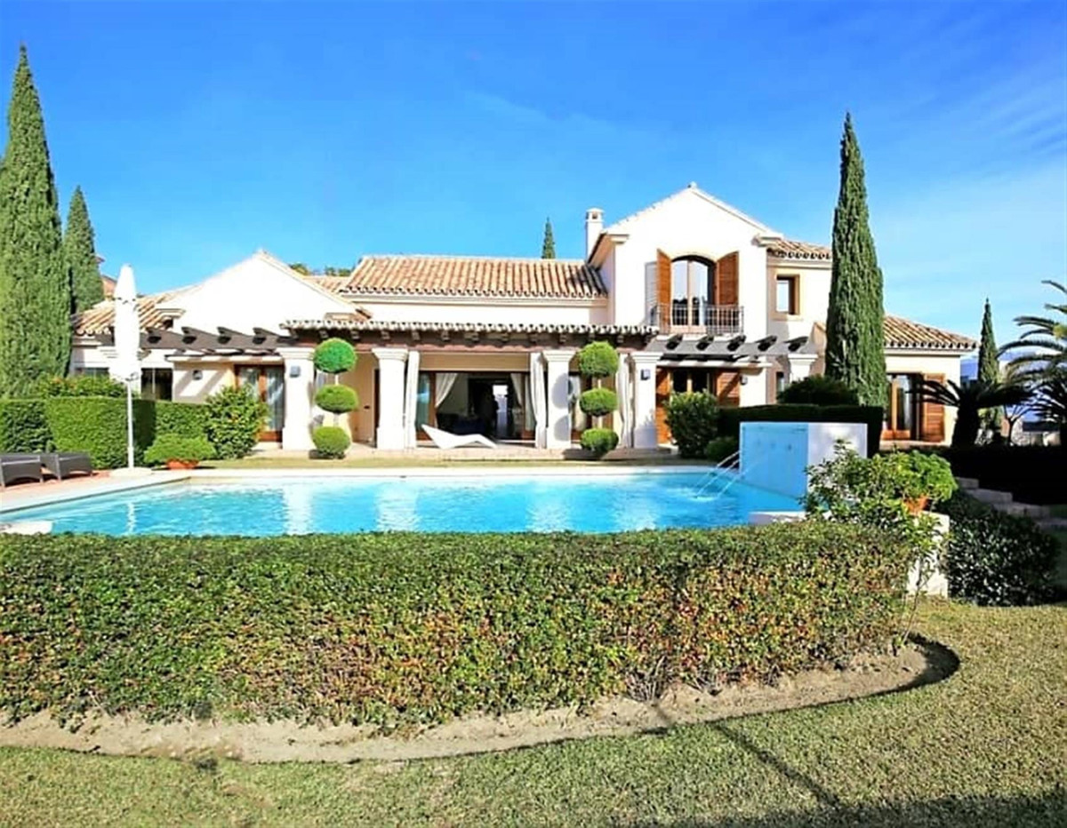 Ref:R3399550 Villa - Detached For Sale in Marbella