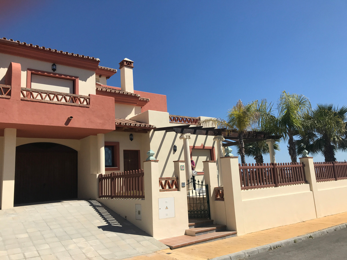 Ref:R3188746 Townhouse - Terraced For Sale in Coín