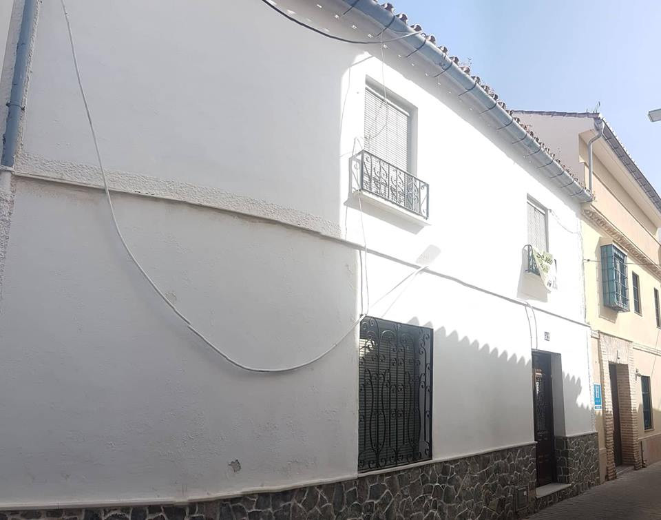 Ref:R3229348 Townhouse - Terraced For Sale in Coín