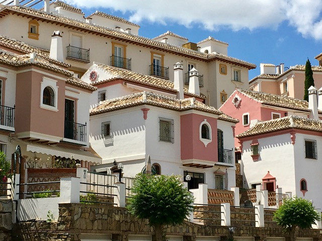 Ref:R3227269 Apartment - Middle Floor For Sale in Mijas Golf