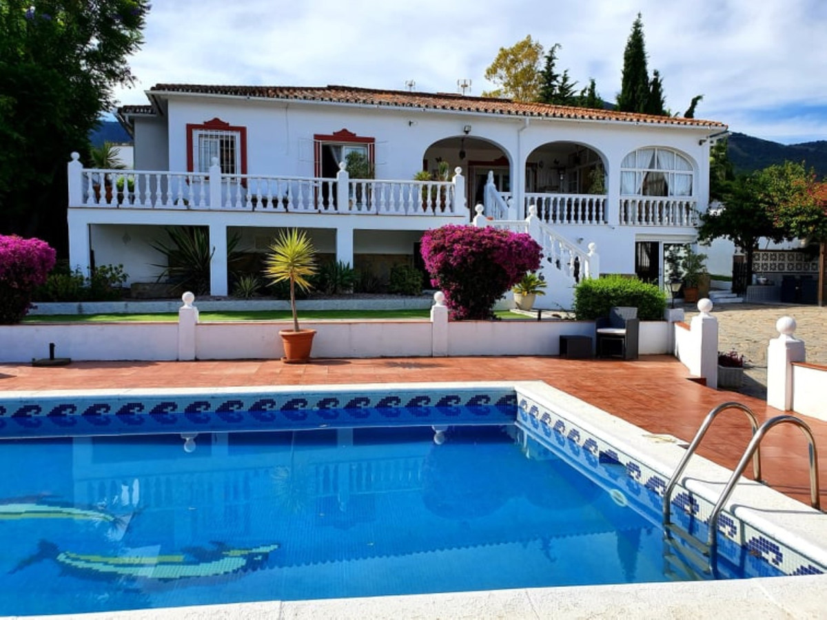 Villa 3 Dormitorios en Venta Alhaurín el Grande