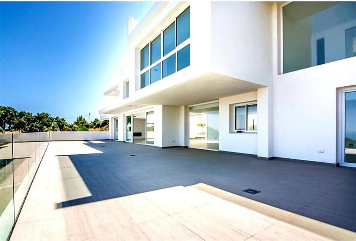 Ref:R3403969 Villa - Detached For Sale in La Mairena