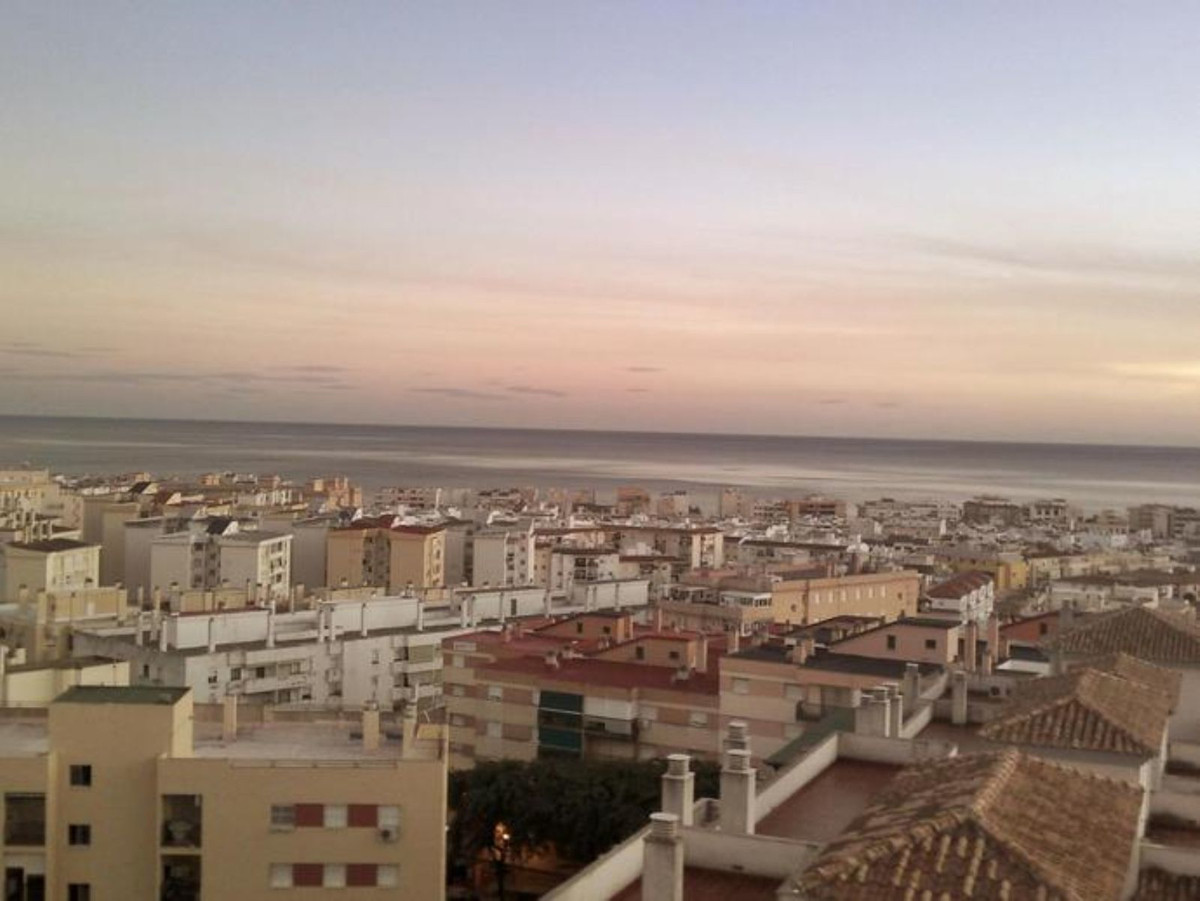 Ref:R3458590 Apartment - Middle Floor For Sale in Estepona
