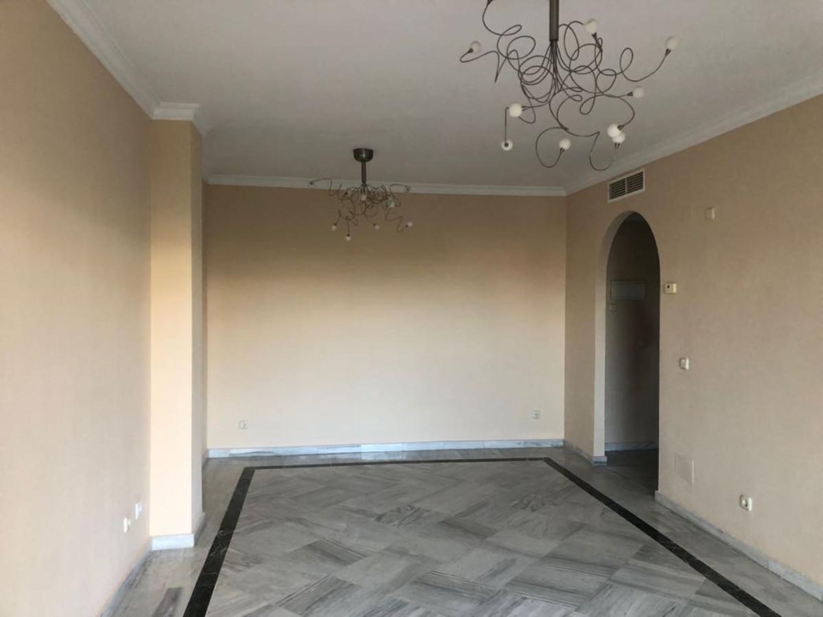 Apartamento Planta Baja en Venta en The Golden Mile – R3483079