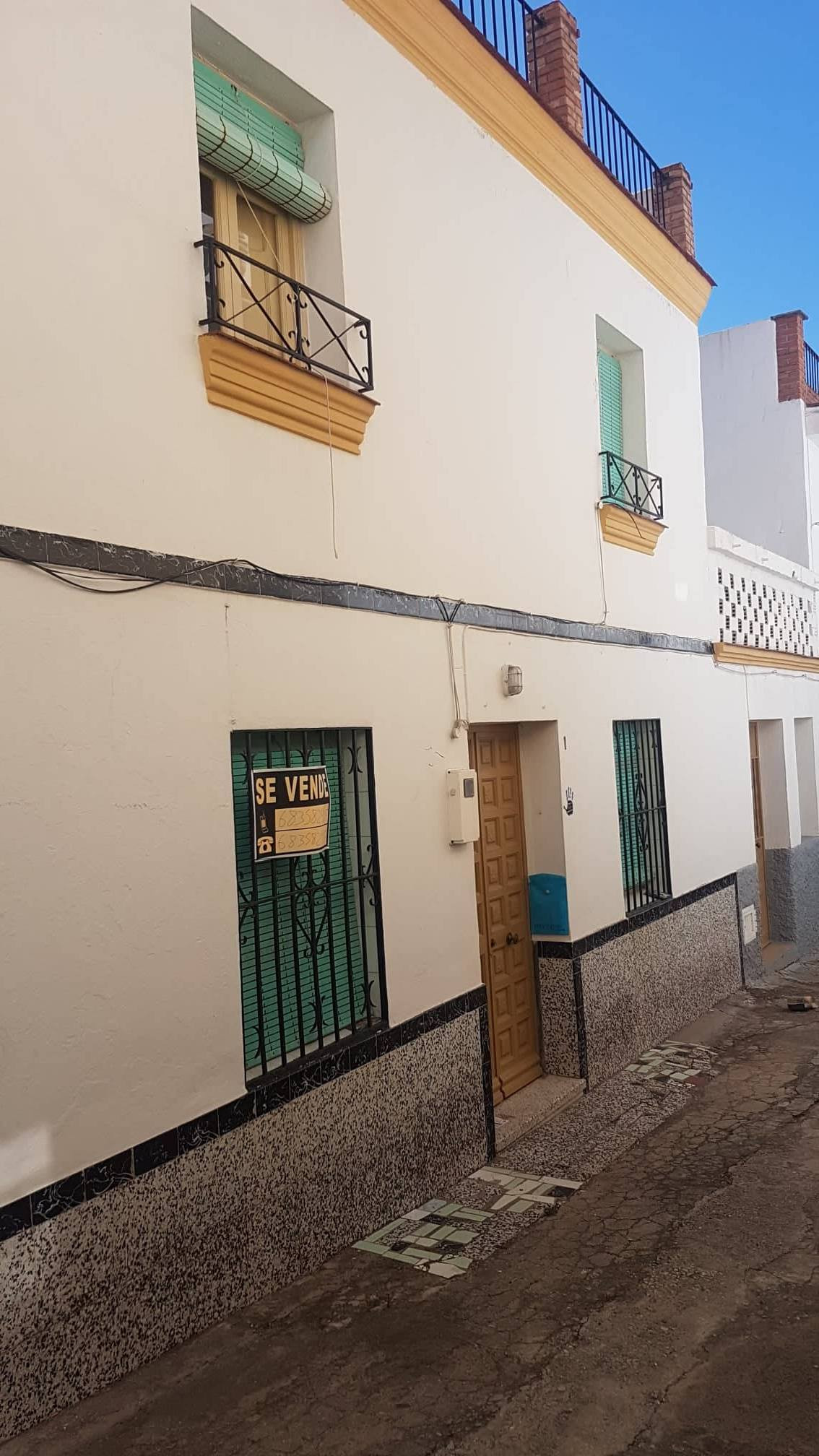 lovely large double fronted house to renovate, situated in a quiet cul de sac with just a few houses,Spain