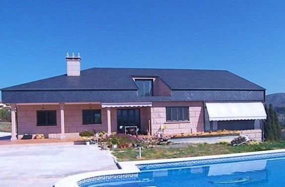 Large Finca situated in Borrajo. The property is in very good condition. The property has gently slo,Spain