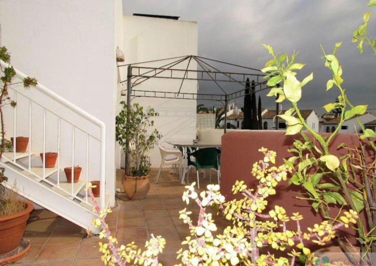 R3529921: Apartment - Middle Floor in Estepona