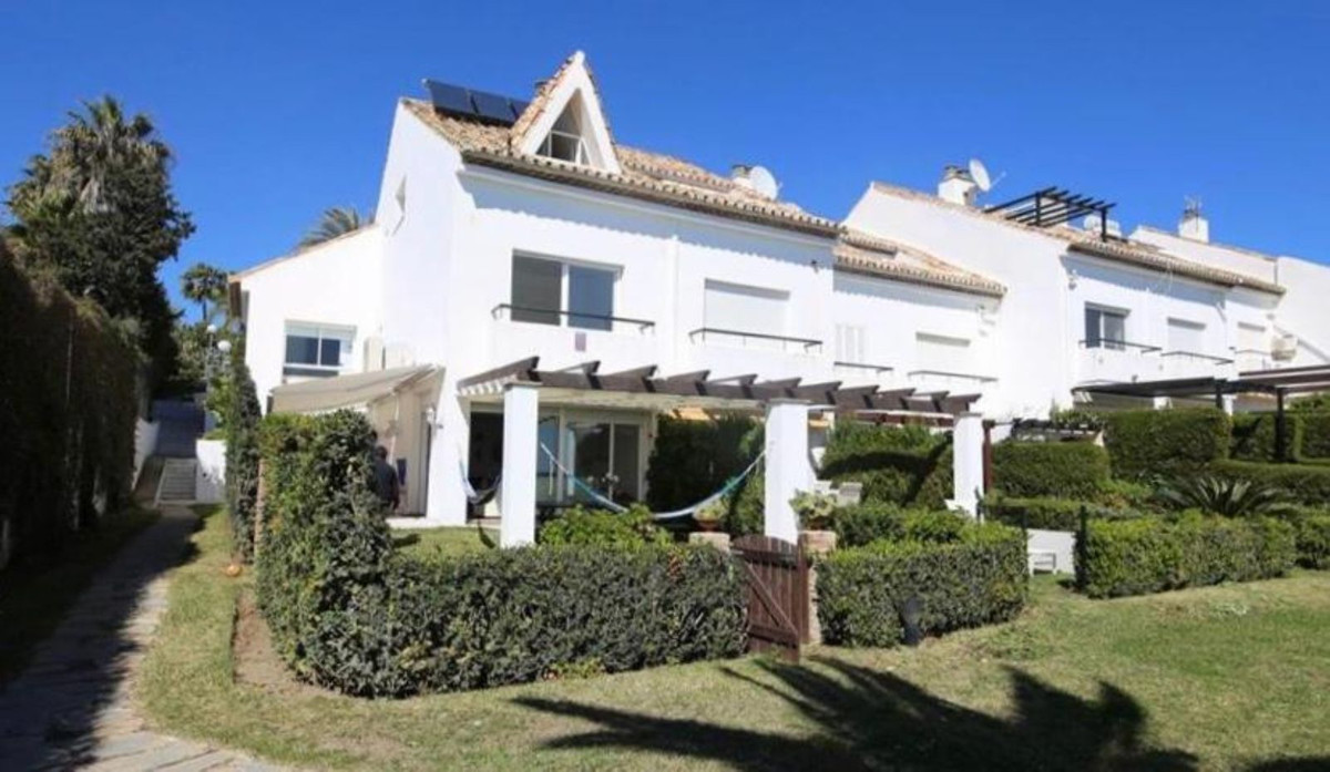 Ref:R3482872 Townhouse - Semi Detached For Sale in Estepona