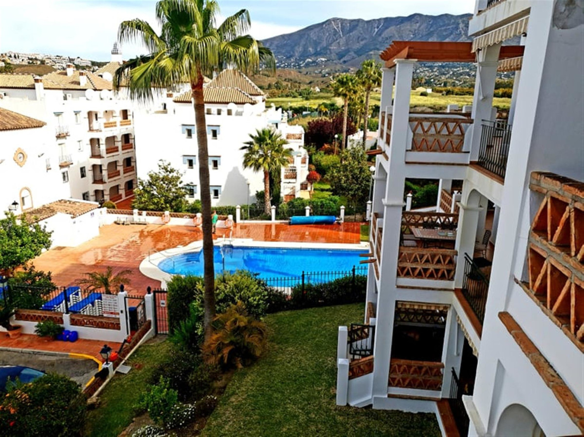 A Well presented apartment located on the Mijas Golf complex in Mijas Costa very close to the town o, Spain