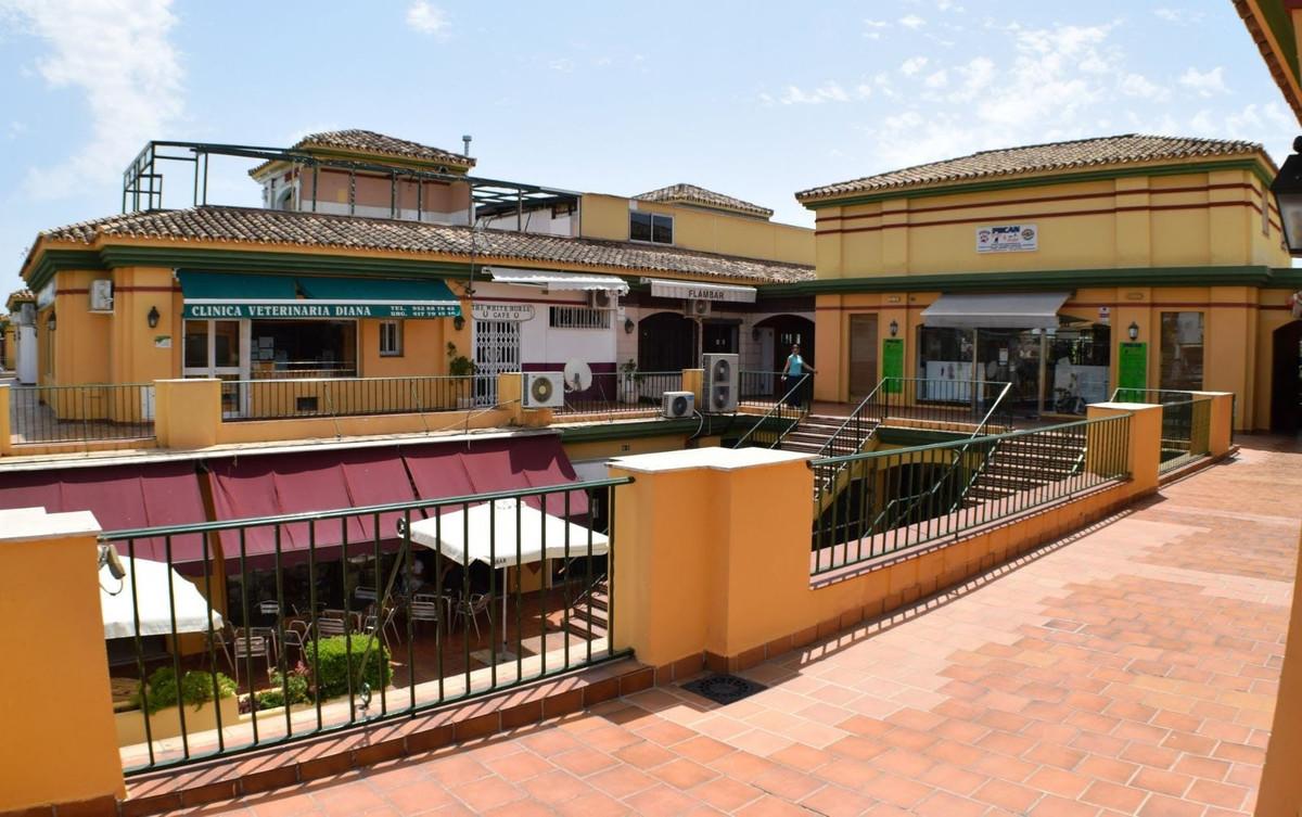 0 Dormitorio Tienda Comercial En Venta Estepona