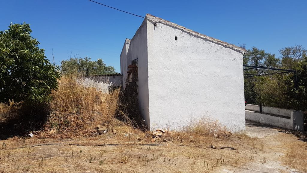 Finca for Restoration Small finca of approx 80M2 on 12200M2 of land in the the beautiful sought afte, Spain
