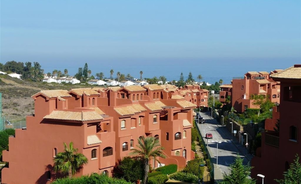 Ref:R3186952 Apartment - Middle Floor For Sale in Estepona