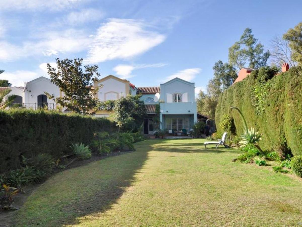 R3482203: Villa - Semi Detached in Guadalmina Alta