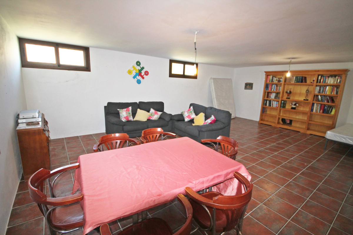 House in Alhaurín el Grande R3636443 16