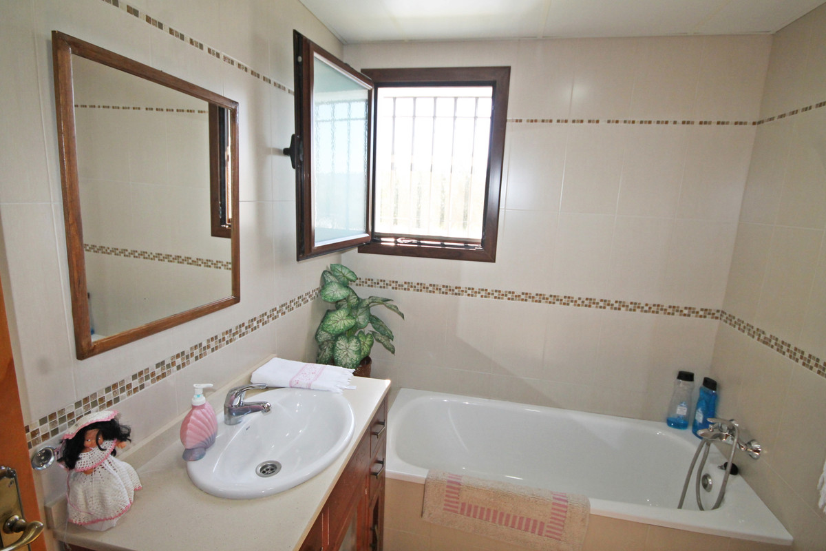 House in Alhaurín el Grande R3636443 8