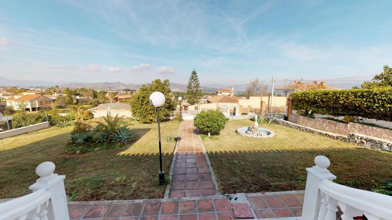 Marbella Banus Villa – Chalet en venta en Alhaurín de la Torre – R3586249