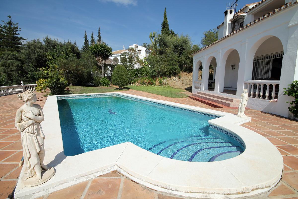 Marbella Banus Villa – Chalet en Venta en Marbella – R3514162