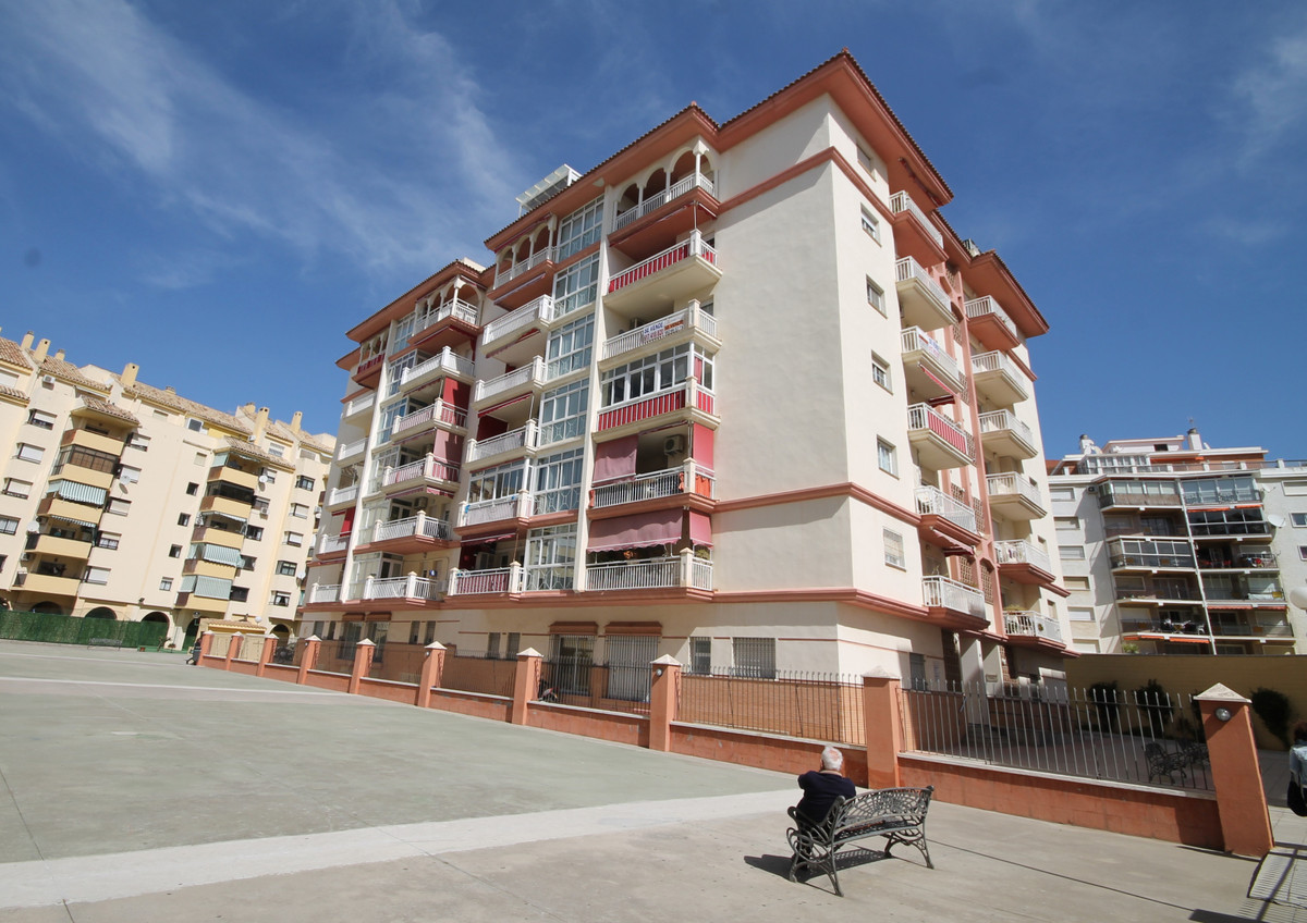 Ground Floor Apartment, Fuengirola, Costa del Sol. 3 Bedrooms, 2 Bathrooms, Built 98 m², Terrace 9 m, Spain