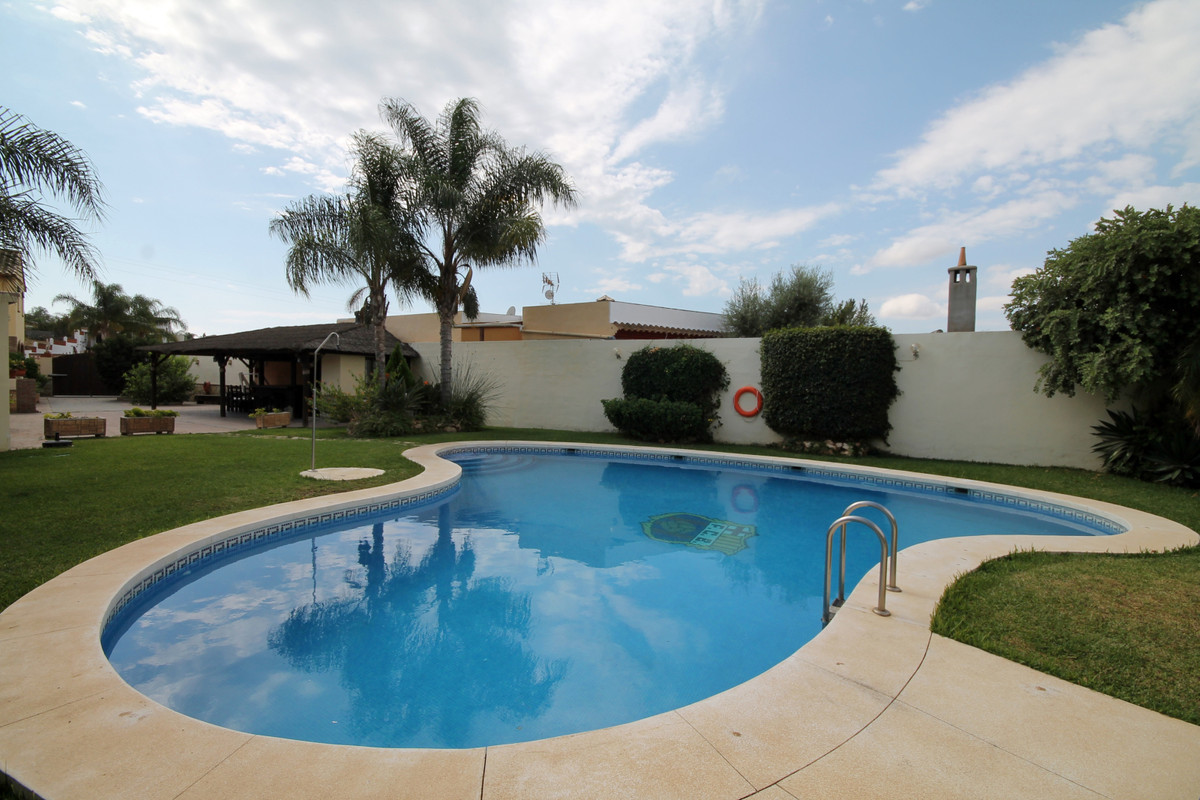 Detached Villa, Mijas Costa, Costa del Sol. 3 Bedrooms, 3 Bathrooms, Built 188 m², Terrace 60 m².  S, Spain