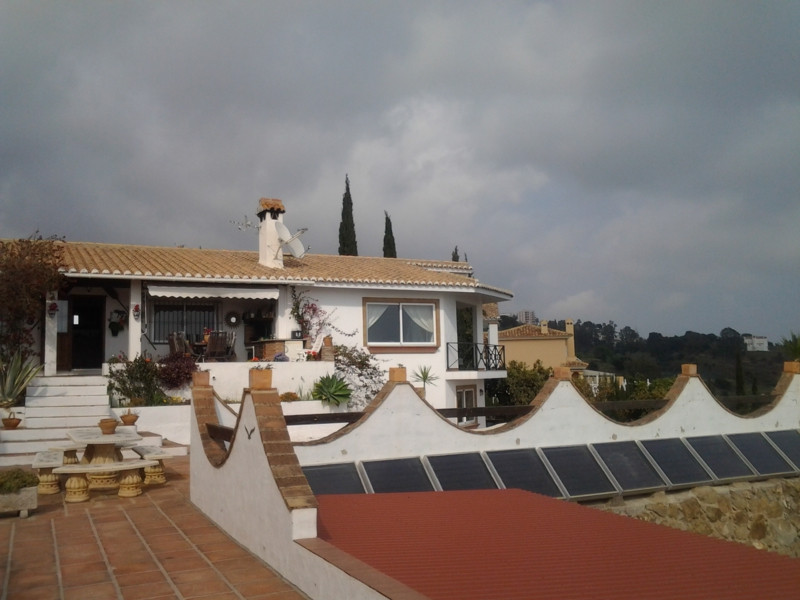 Unique location. This villa is located in one of the best area of Benalmadena.  The plot has 5000m2 ,Spain