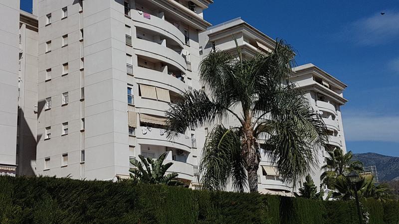 Marbella Banus Apartamento Planta Media en venta en Los Boliches – R3610235