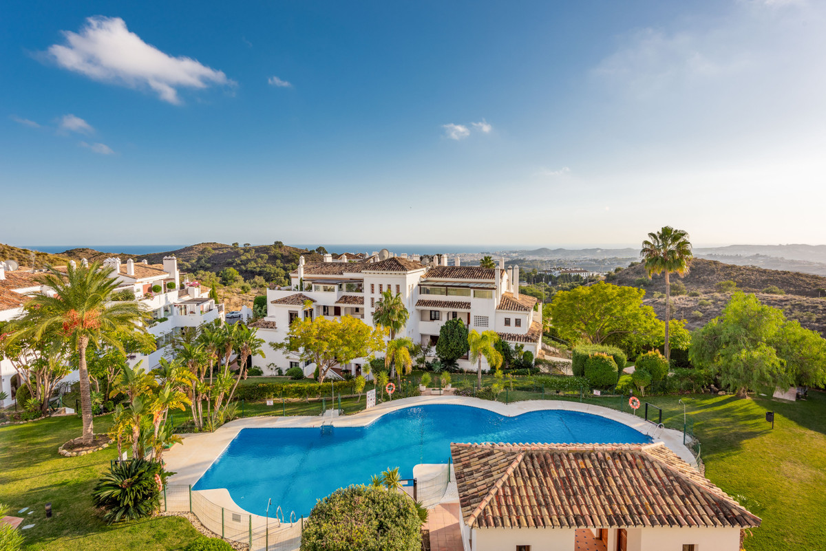 This apartment boasts the most incredible panoramic views to the surrounding landscape and the Medit Spain