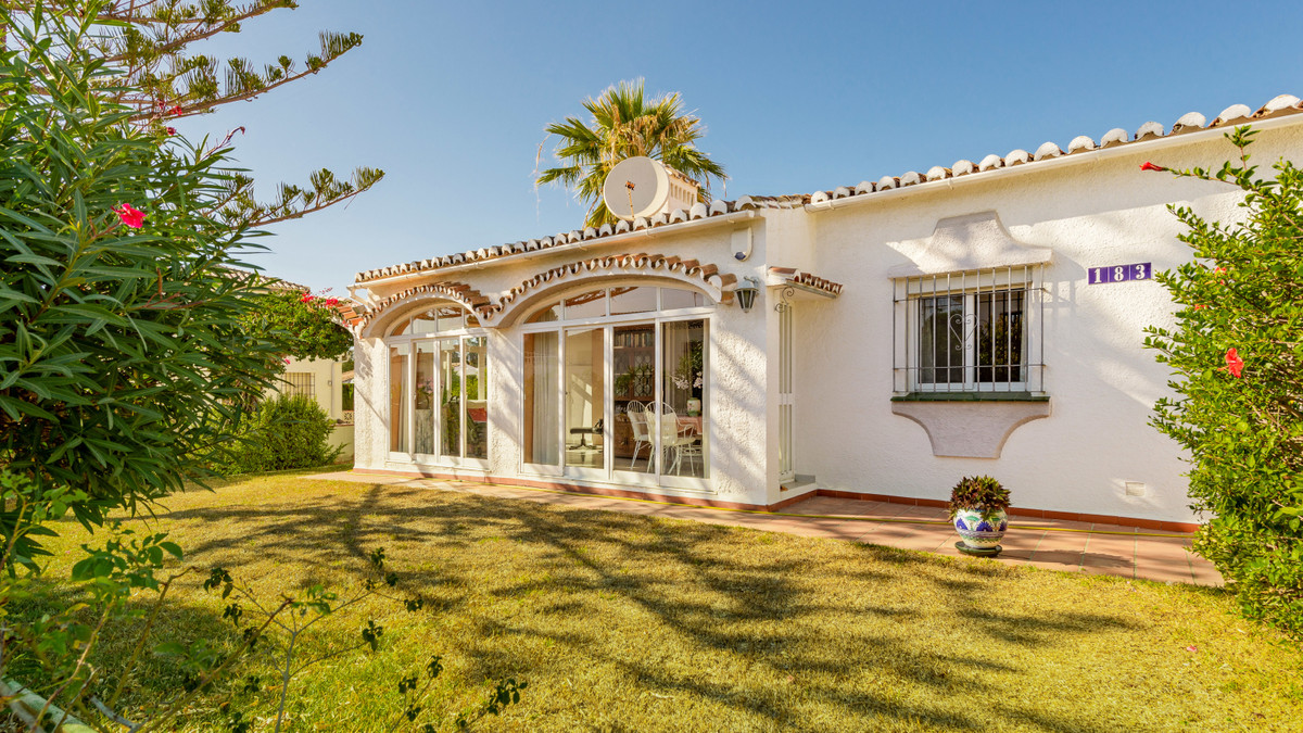 Situated in a quiet residential street, walking distance to all amenities, this quaint bungalow-styl,Spain