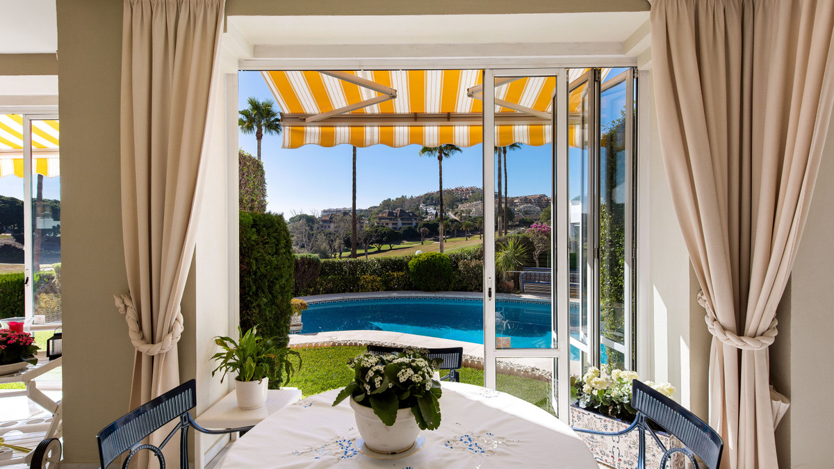 Villa te koop in Nueva Andalucía R3920944