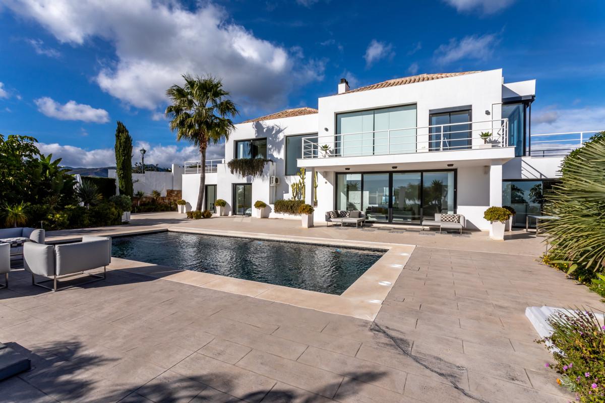 Marbella Banus Villa – Chalet en Venta en Benahavís – R3648638