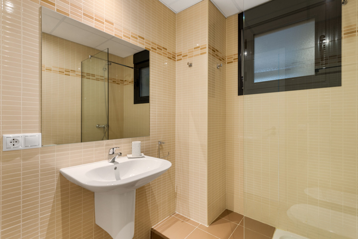 Apartment in New Golden Mile R3611234 12