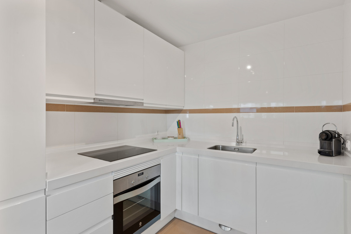 Apartment in New Golden Mile R3611234 14