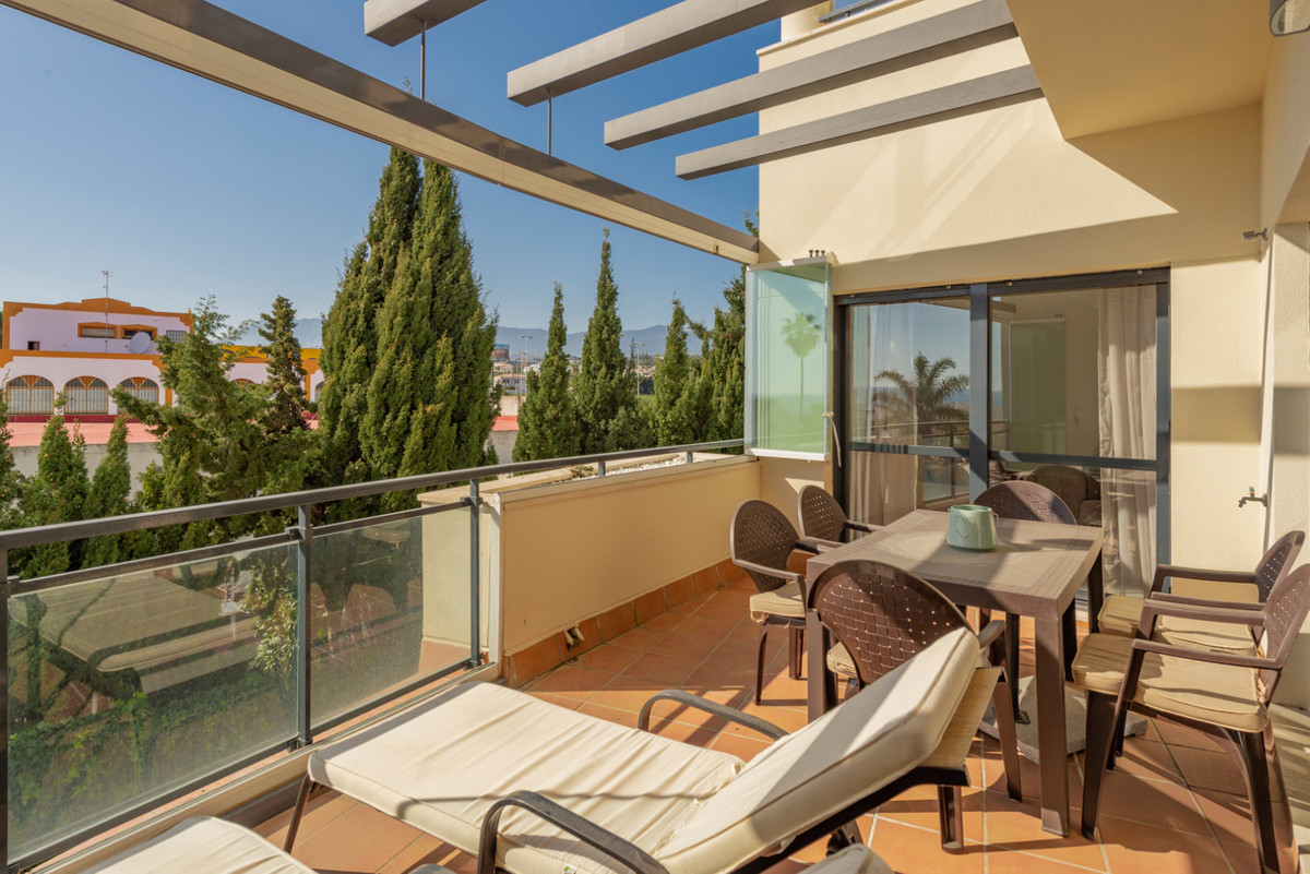 Apartment in New Golden Mile R3611234 4