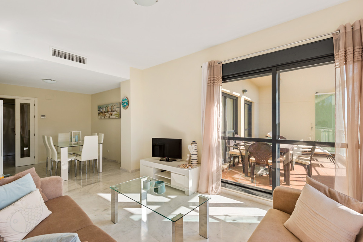 Apartment in New Golden Mile R3611234 5