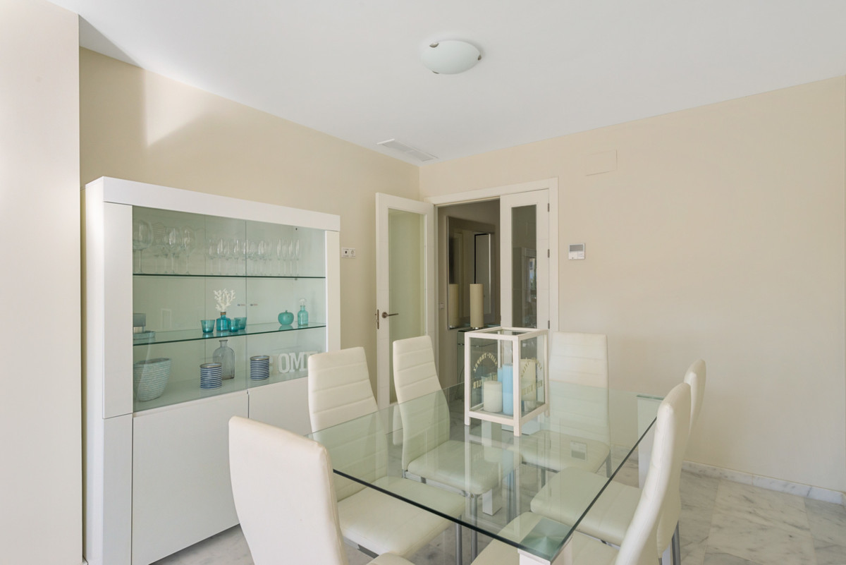 Apartment in New Golden Mile R3611234 7