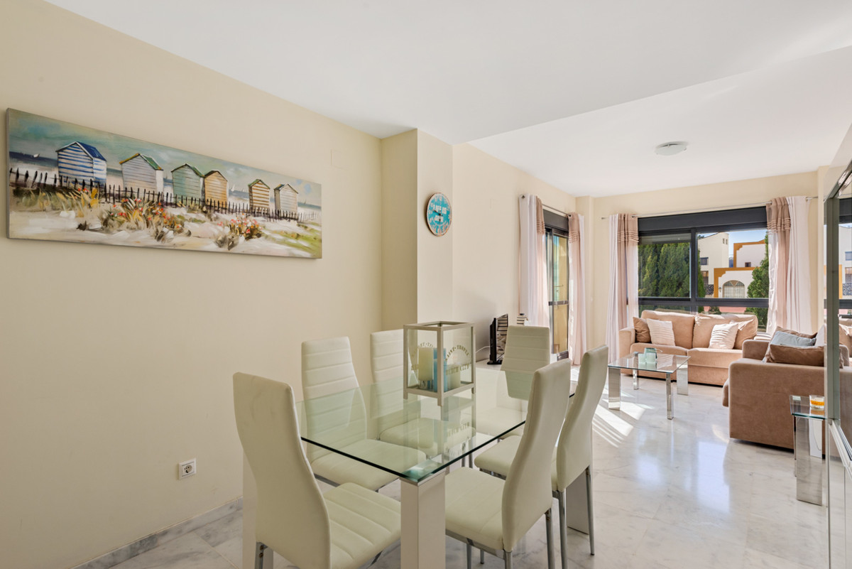 Apartment in New Golden Mile R3611234 8