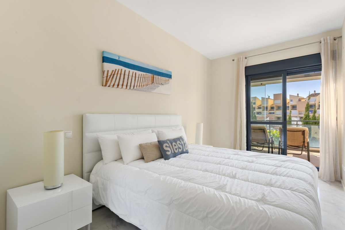 Apartment in New Golden Mile R3611234 9