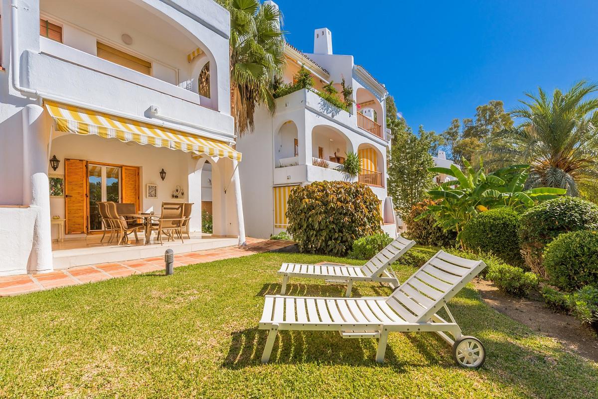 Apartamento en Venta en Nueva Andalucía – R3288499