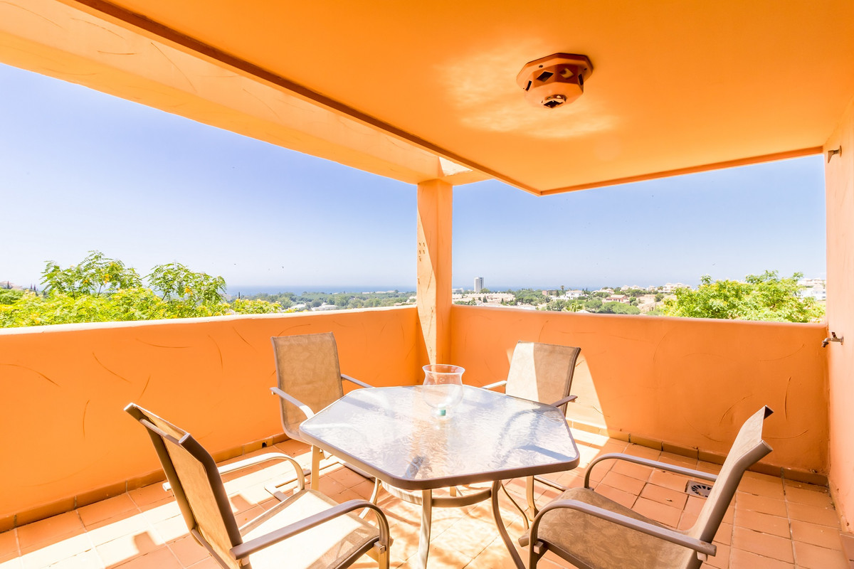 This 2 bedroom apartment is situated on the first floor of a well established urbanization close to ,Spain