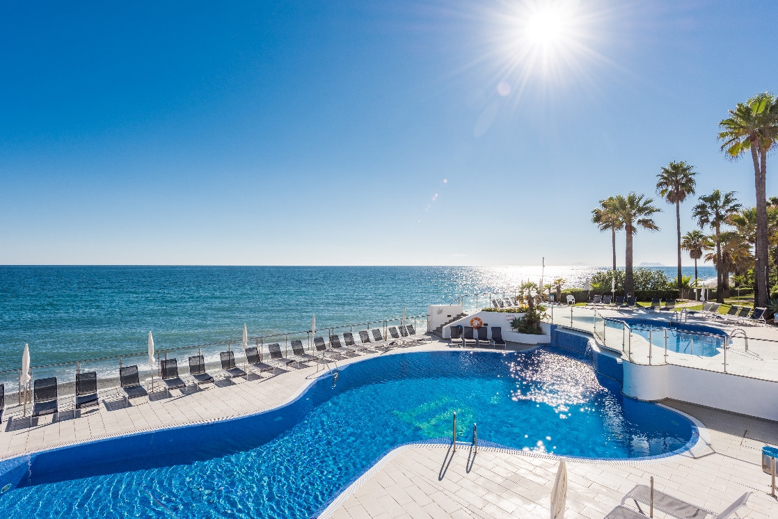 Dominion Beach, New Golden Mile - Completely renovated to the highest standards, this 3 bedroom apar, Spain