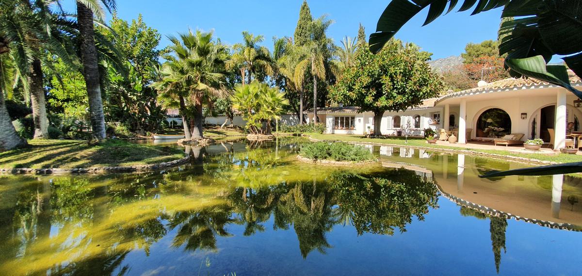 Villa en Venta en The Golden Mile – R3677108
