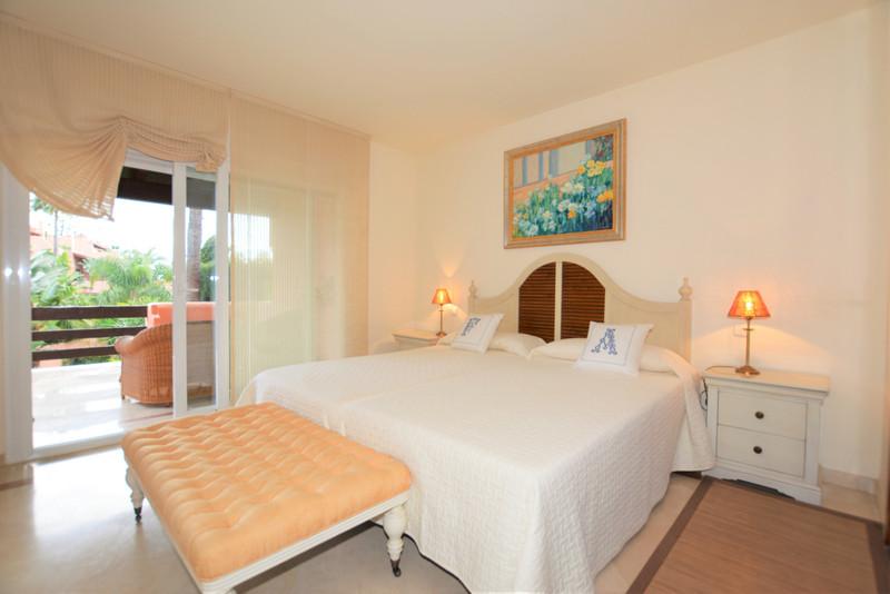 Adosada en venta en Marbella – R3583912