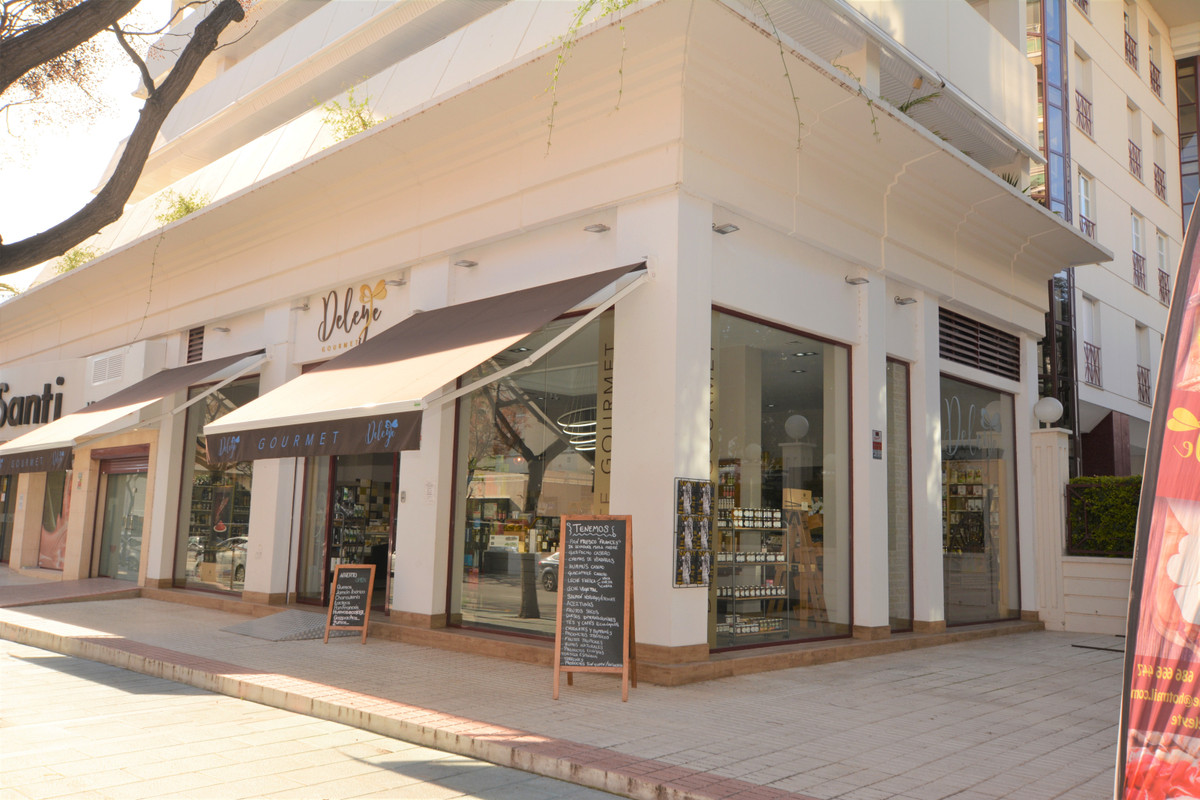 """THE BEST LOCAL IN THE CENTER OF MARBELLA AREA LOCATED IN ONE OF THE MOST EMBLEMATIC BUILDINGS , Spain"