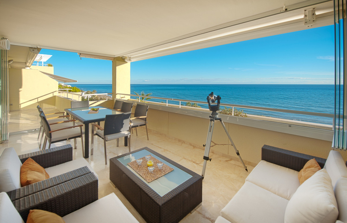 """SPECTACULAR PENTHOUSE IN URBANIZATION LOS GRANADOS CABOPINO""  Duplex penthouse on the bea, Spain"
