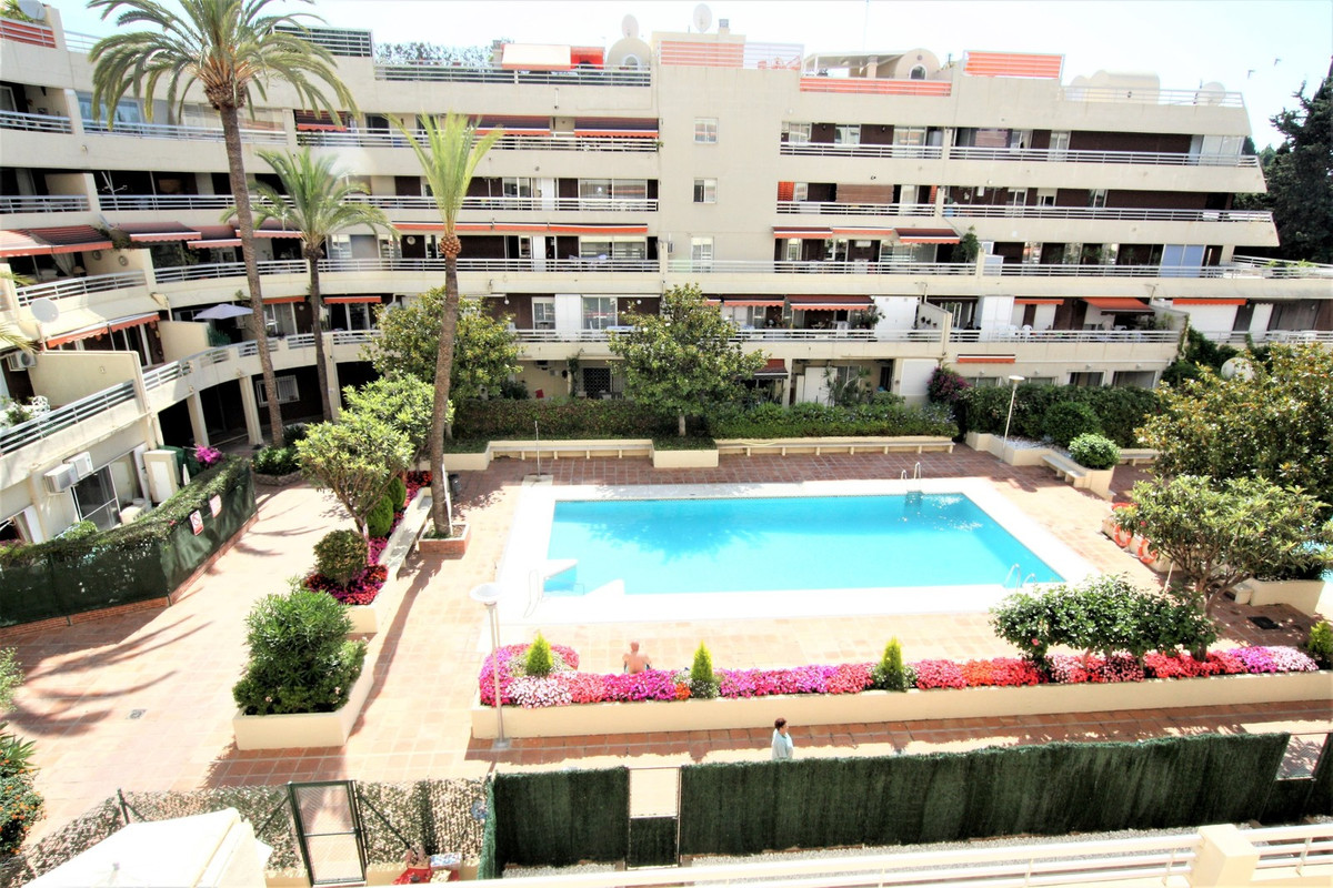 !!! LARGE FLOOR DIMENSIONS 3 BEDROOMS CENTRO DE MARBELLA ¡¡¡  Large 3 bedroom house in Marbella cent,Spain