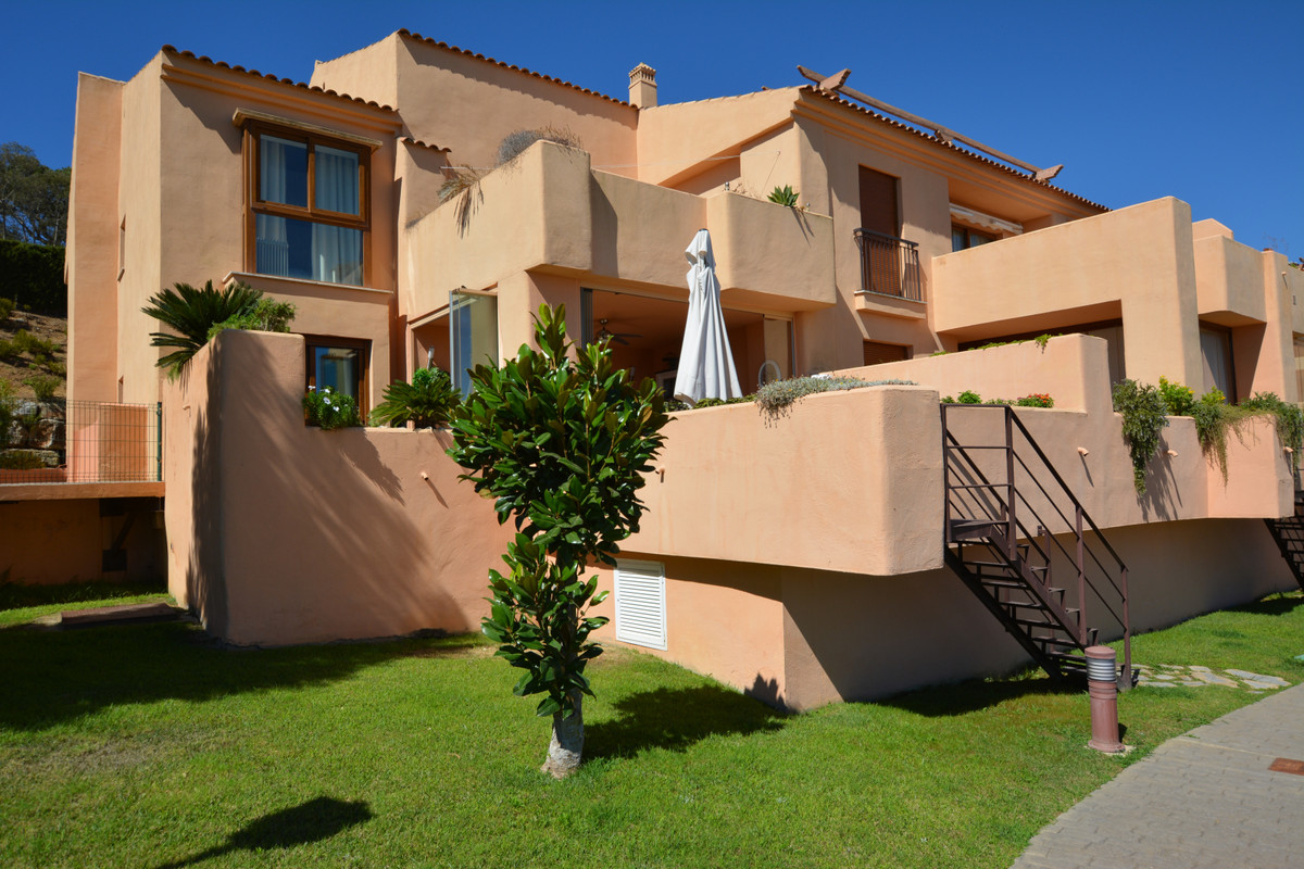 Marbella Banus Apartamento Planta Baja en Venta en La Mairena – R3688403