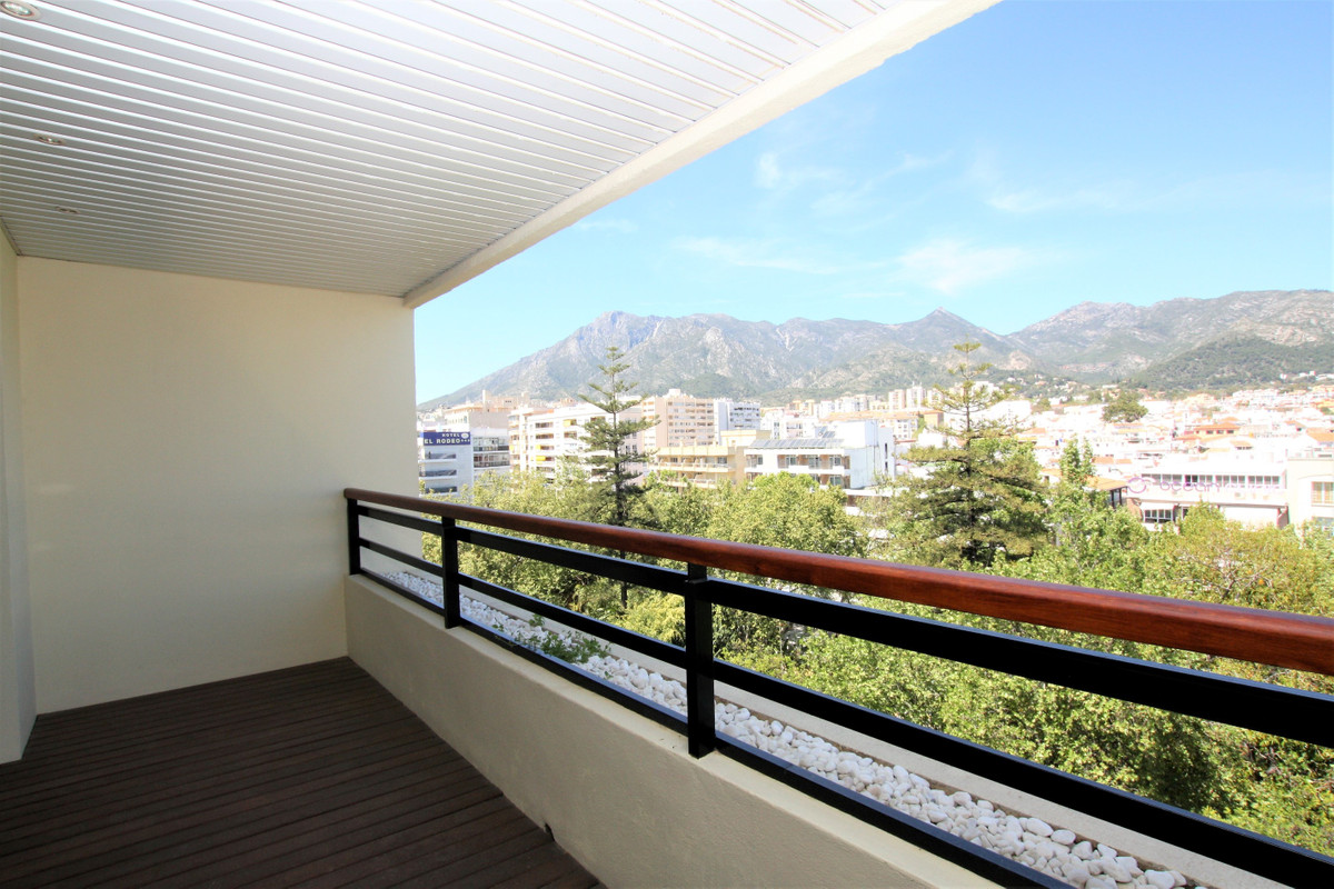 Top Floor Apartment for sale in Marbella