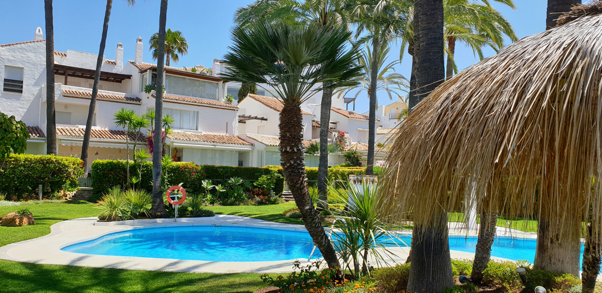 Townhouse for sale in Bahía de Marbella